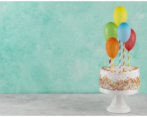 cake-colorful-balloons